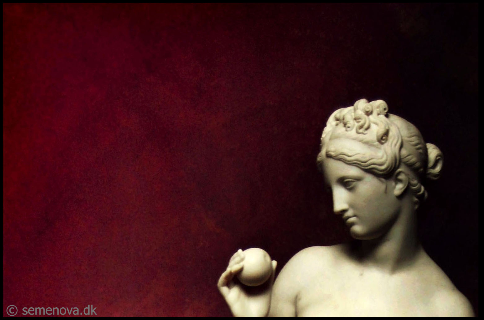 venus with the apple