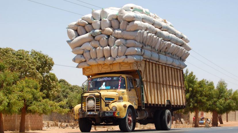Overloaded truck2 YOUR DESTINYjpg