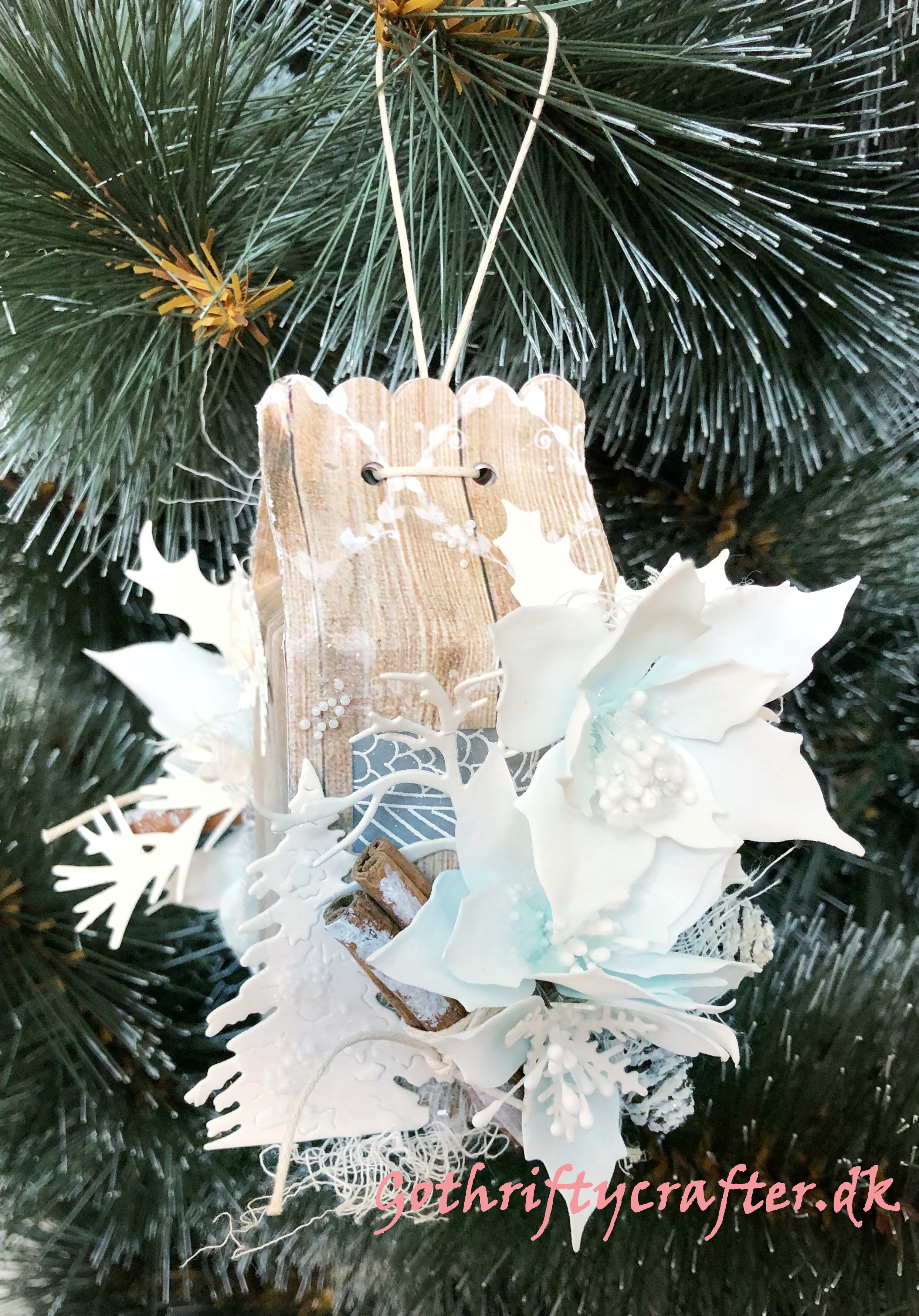 Gothriftycrafter Fabrika Decoru winter white snow foamiran flowers cinamon crystal wood house Christmas New year tree snow pasteJPG